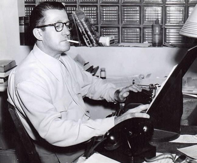 Verne Jay, pisarz i scenarzysta, prywatnie przyjaciel Roda Serlinga z okresu pracy w stacji WLW.