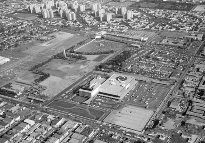 Kompleks CBS Television City w Los Angeles z lotu ptaka, 1960.
