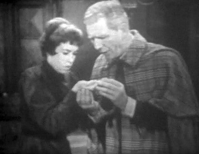 "Carol Burnett i Durward Kirby, w skeczu ""Mosquito"", 1961."