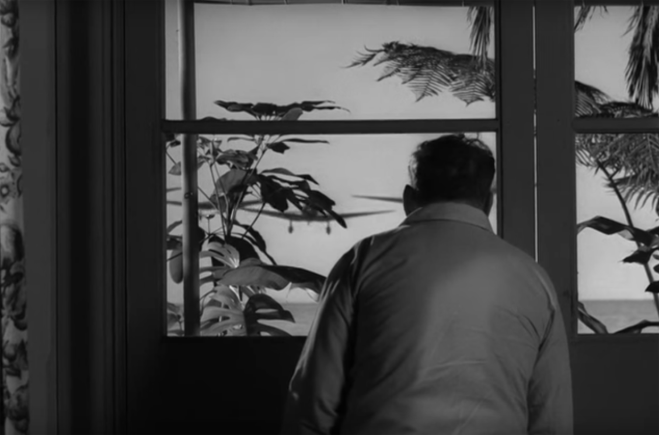 Poranek, 7 grudnia 1941 - Jenson wciąż na Hawajach.